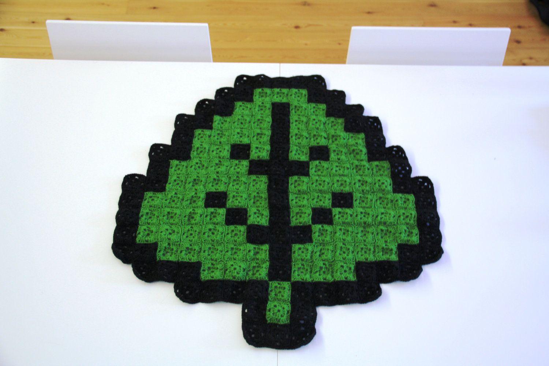 Super mario leaf bit crochet blanket by atomicbits crochet