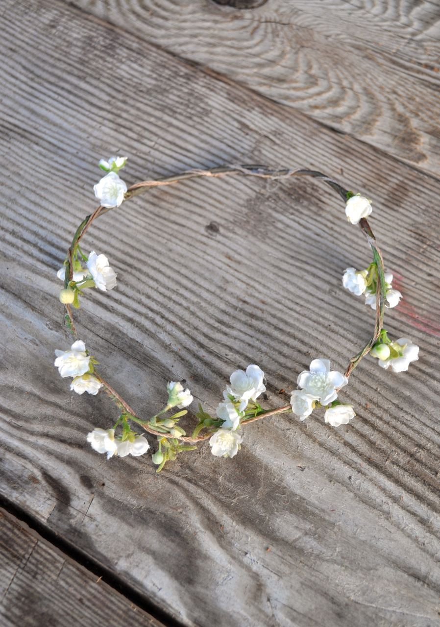 Diy flower crown flower crowns diy flower and crown diy flower crown make life lovely izmirmasajfo