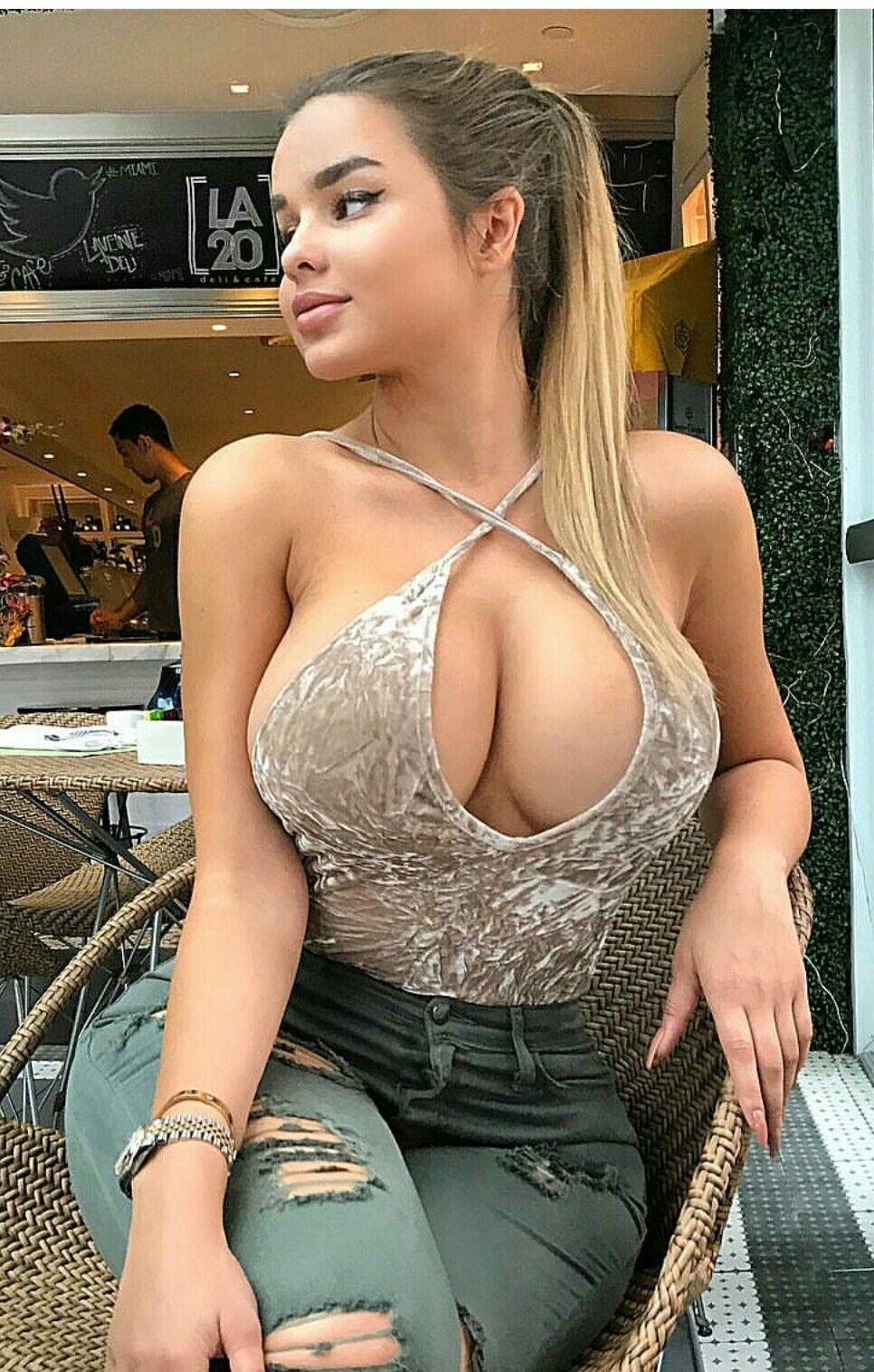 Amateur Brunette Babe Fucked