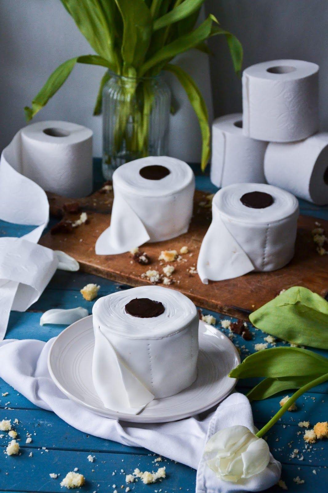 Christina Macht Was Toilettenpapiertorte Klopapierkuchen Klopapiertortchen In 2020 Toilettenpapiertorte Klopapiertorte Barbie Torte