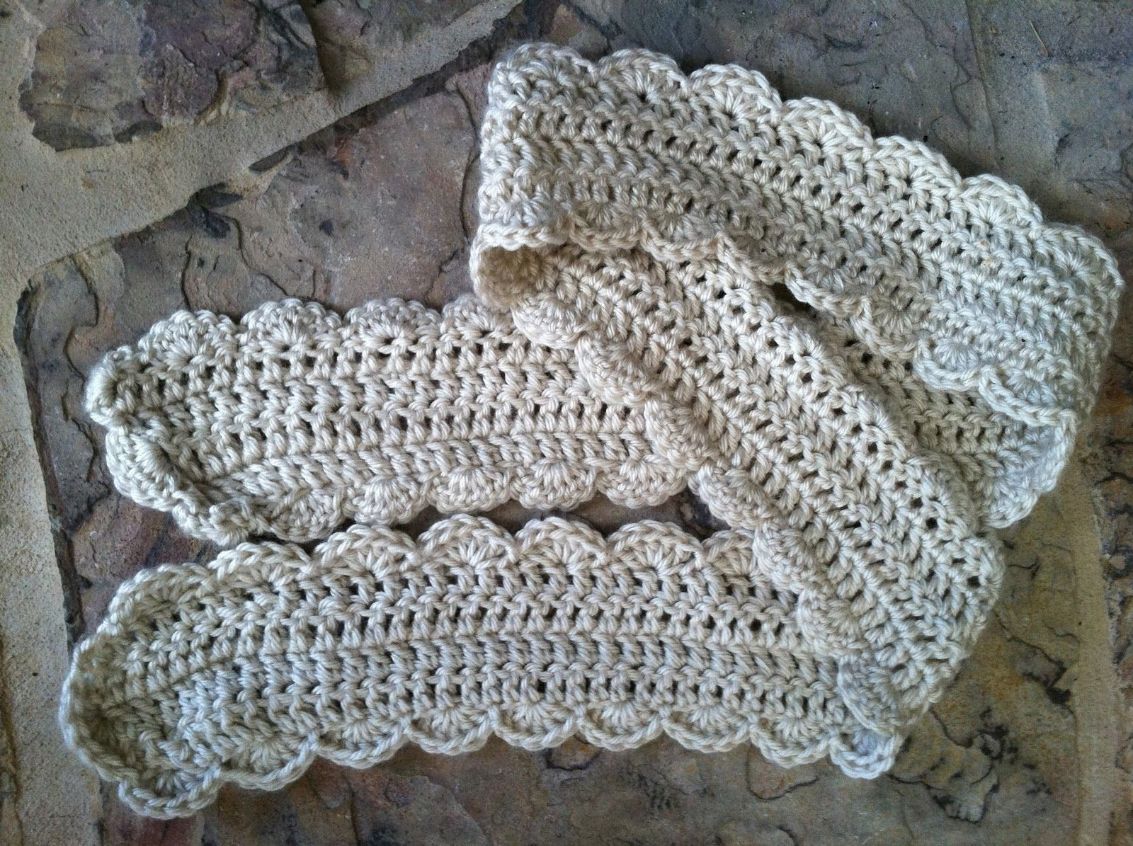 Crocheted belt, pattern, Happy Hookertheyarnmarm.blogspot.com ...