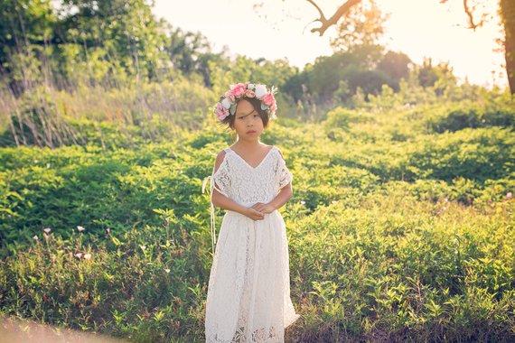 cb27b148f710 Bohemian Beach Flower Girl White Lace Dresses Girl Toddler Boho Off  Shoulder Maxi Dress Junior Bride