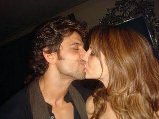 Hot Kiss Indian Girl