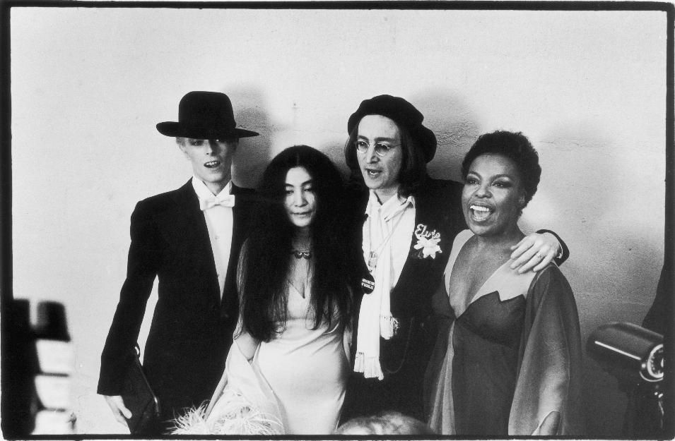 The Most Memorable Red Carpet Moments In Grammy History David Bowie John Lennon Roberta Flack David Bowie