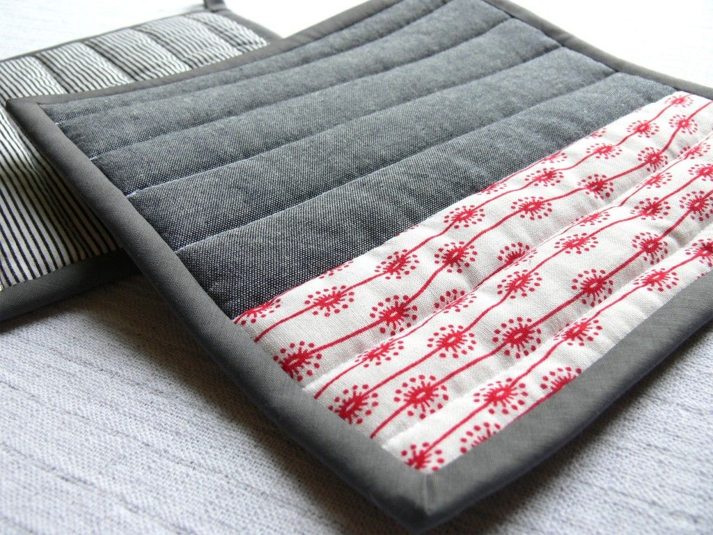 modern looking pot holders potholders pinterest stoffreste n hideen und geschenkideen. Black Bedroom Furniture Sets. Home Design Ideas