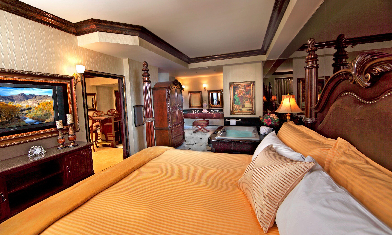 Peppermill Tower Luxury Suite Peppermill Resort Hotel Reno Luxury Suite Healthy Living Magazine Interior Design