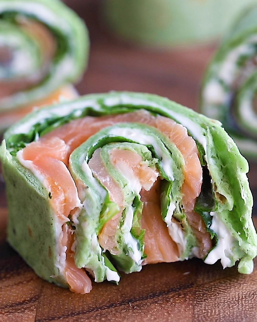 10-Minute Smoked Salmon Pinwheels -  Deliciously savory smoked salmon pinwheels rolled up with a fla...