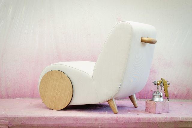 GroBartig #Möbel Designer Relaxsessel Lässt Sich Wie Eine Schubkarre Bewegen #Designer  Relaxsessel #