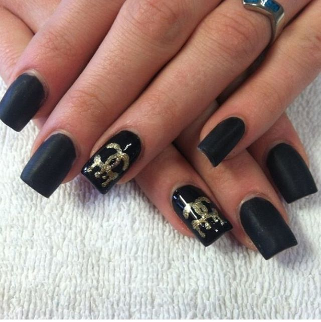 Chanel no 5. Classy matte black acrylic nails with hand painted gold ...