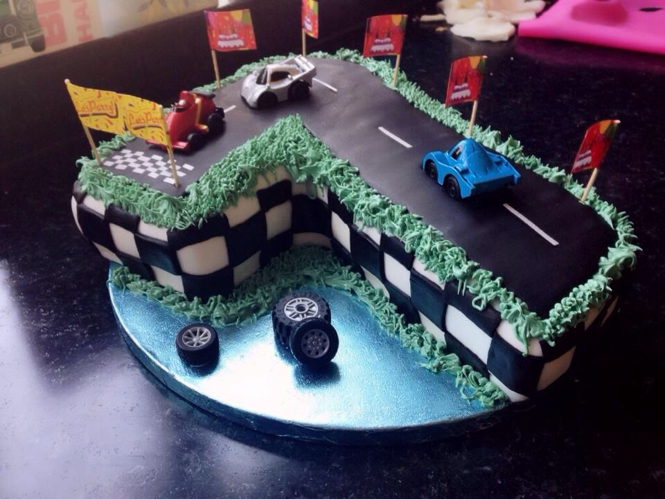 Excellent Number 7 Birthday Cake Racing Track And Cars Kuchen Torten Funny Birthday Cards Online Elaedamsfinfo