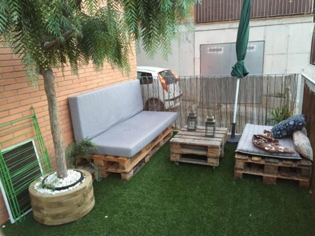 Terraza chillout terraza en 2019 c sped artificial for Terraza de arte y decoracion