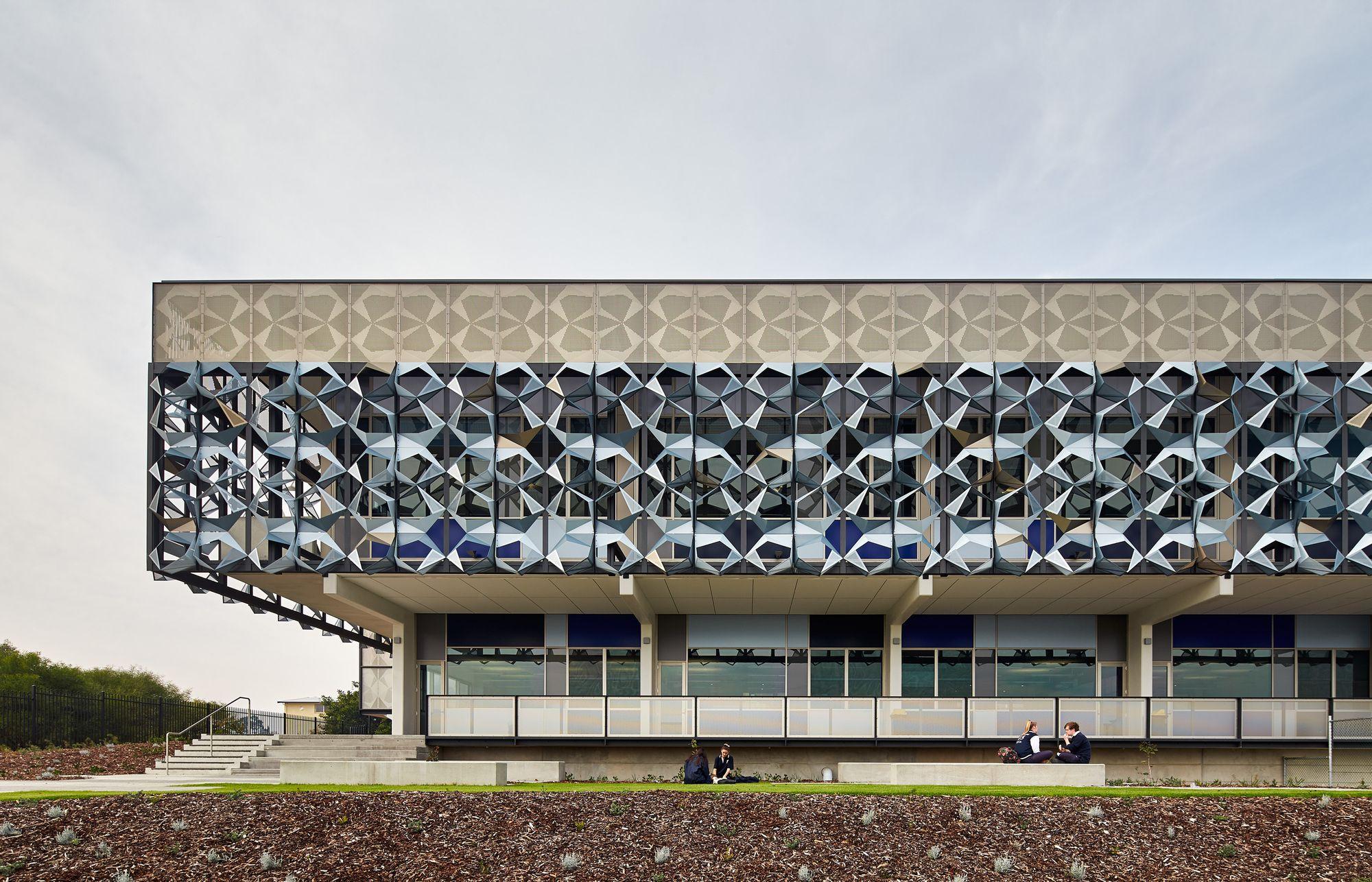 Escola de Artes John Curtin / JCY Architects and Urban Designers