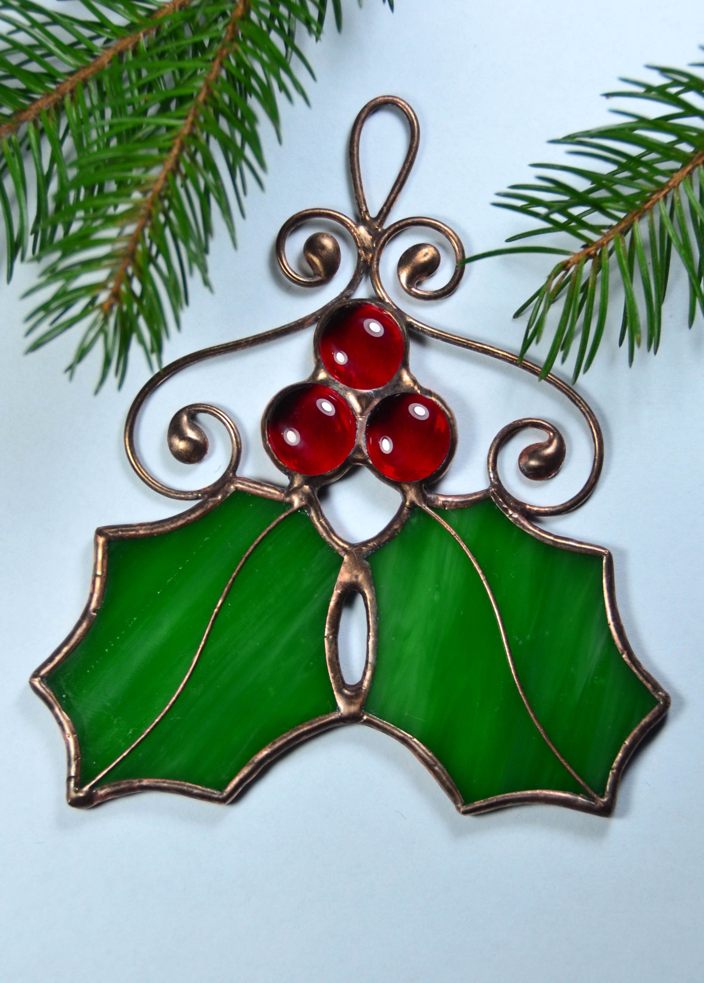 Holly Leaves Christmas Decor Stained Glass Ornaments Holly Etsy Stained Glass Ornaments Stained Glass Christmas Tiffany Glass Art