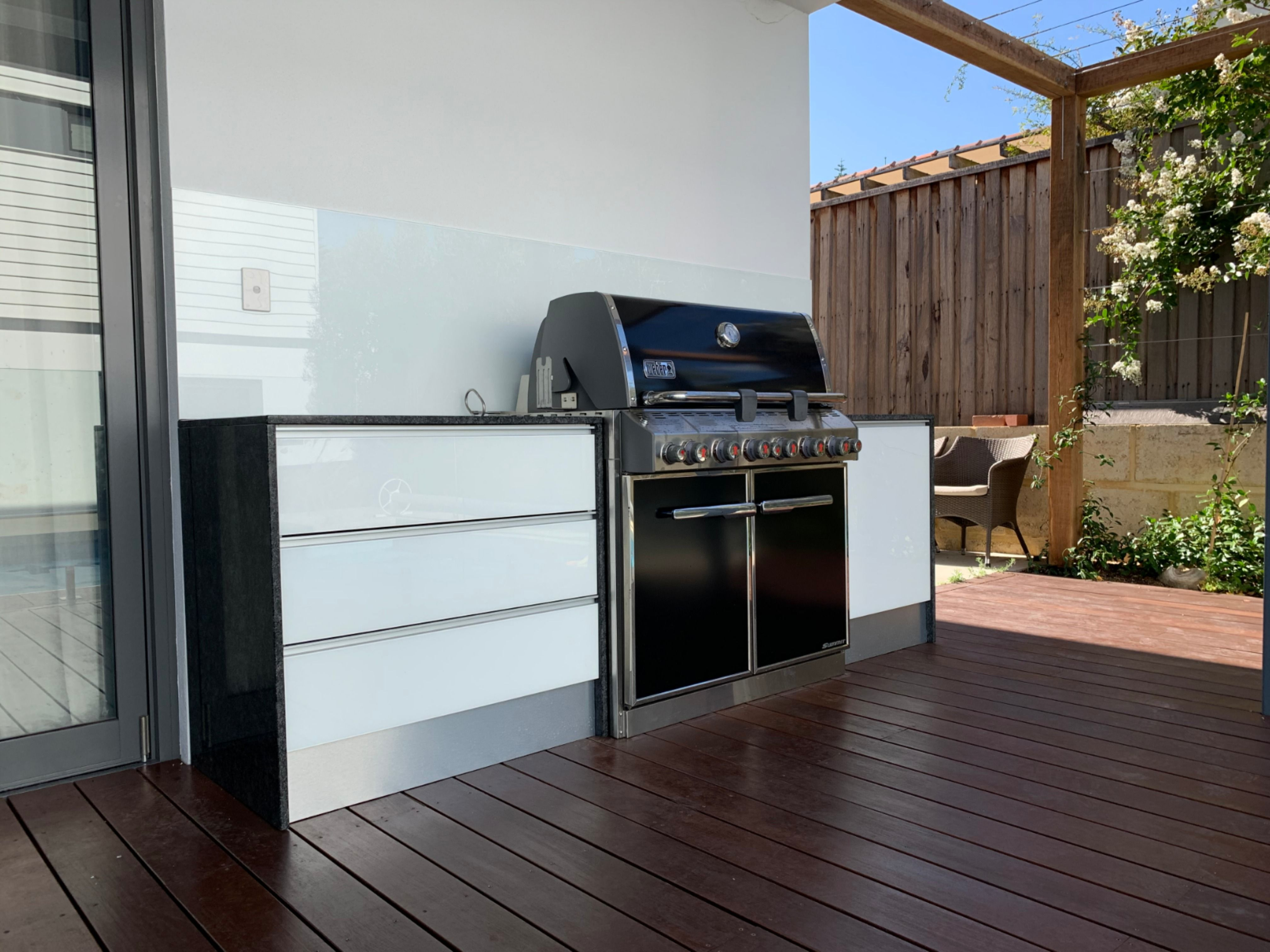 Another One Of Our Quality Outdoor Kitchen Installs Featuring The King Of All Barbecues The Weber Summit Along Wit In 2020 Outdoor Kitchen Kitchen Installation Outdoor