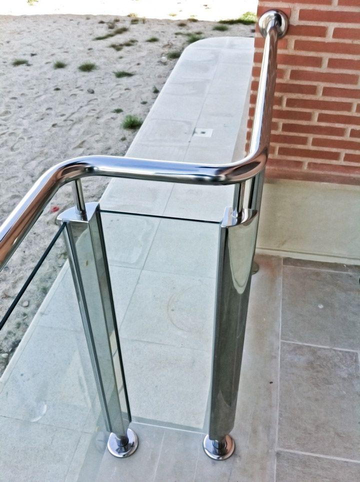 Barandilla monoblock en acero inoxidable con cristal de seguridad