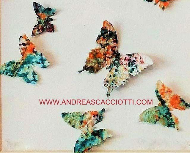Opere in carta fatta a mano e dipinta da  Andrea Scacciotti. Disponibili in 2 formati: 25x25cm 50x50cm