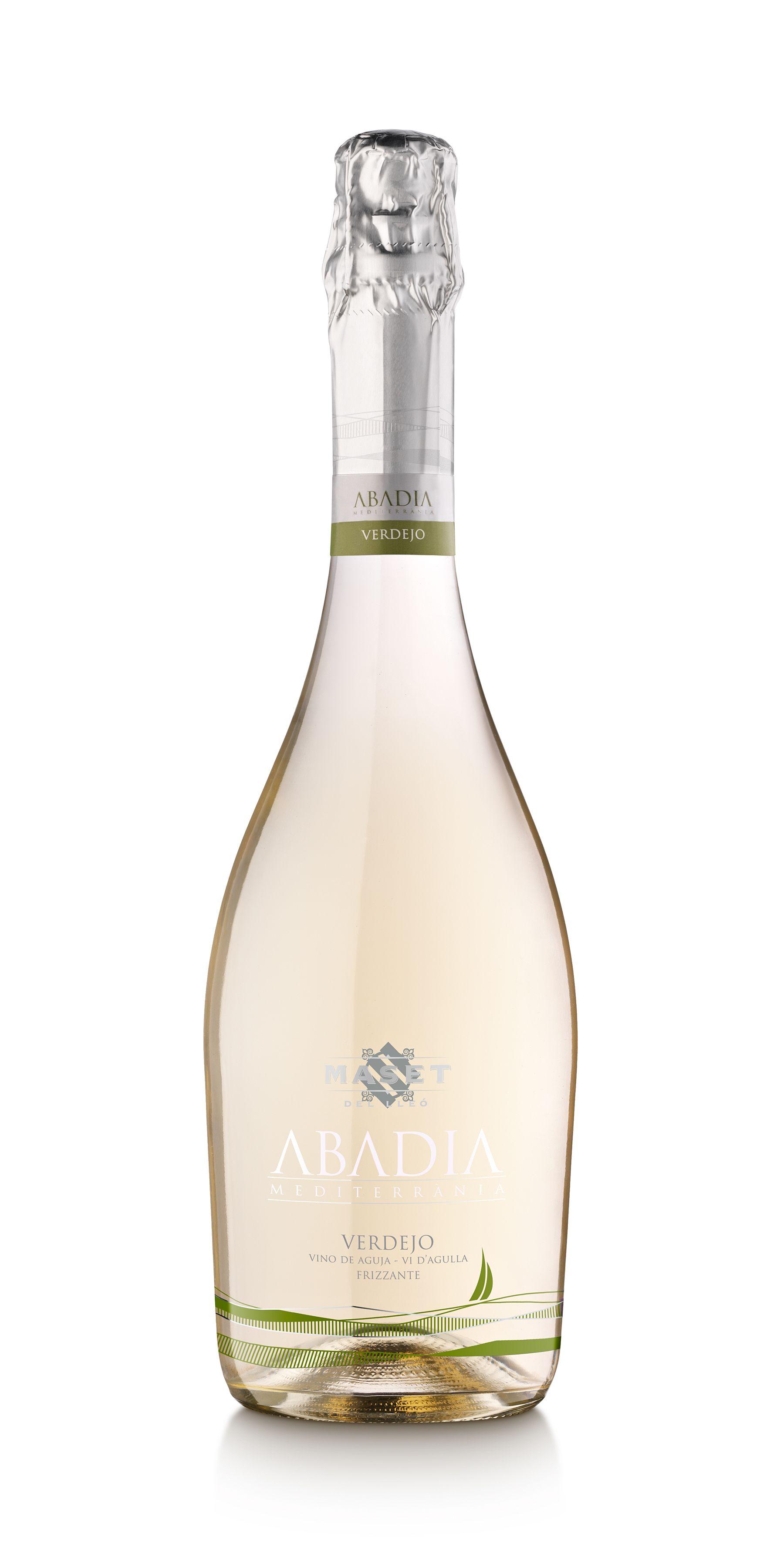 Vino Blanco de Aguja Frizzante Abadia Mediterrània Verdejo. Brisa de juventud. Vino blanco de aguja natural de la variedad verdejo. Es un vino refrescante con aromas frutales y con un agradable toque cítrico. Ideal para las épocas más calurosas del año.