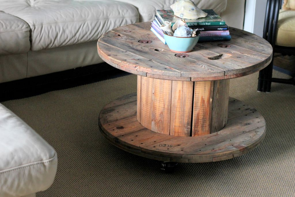spool coffee table with wheels