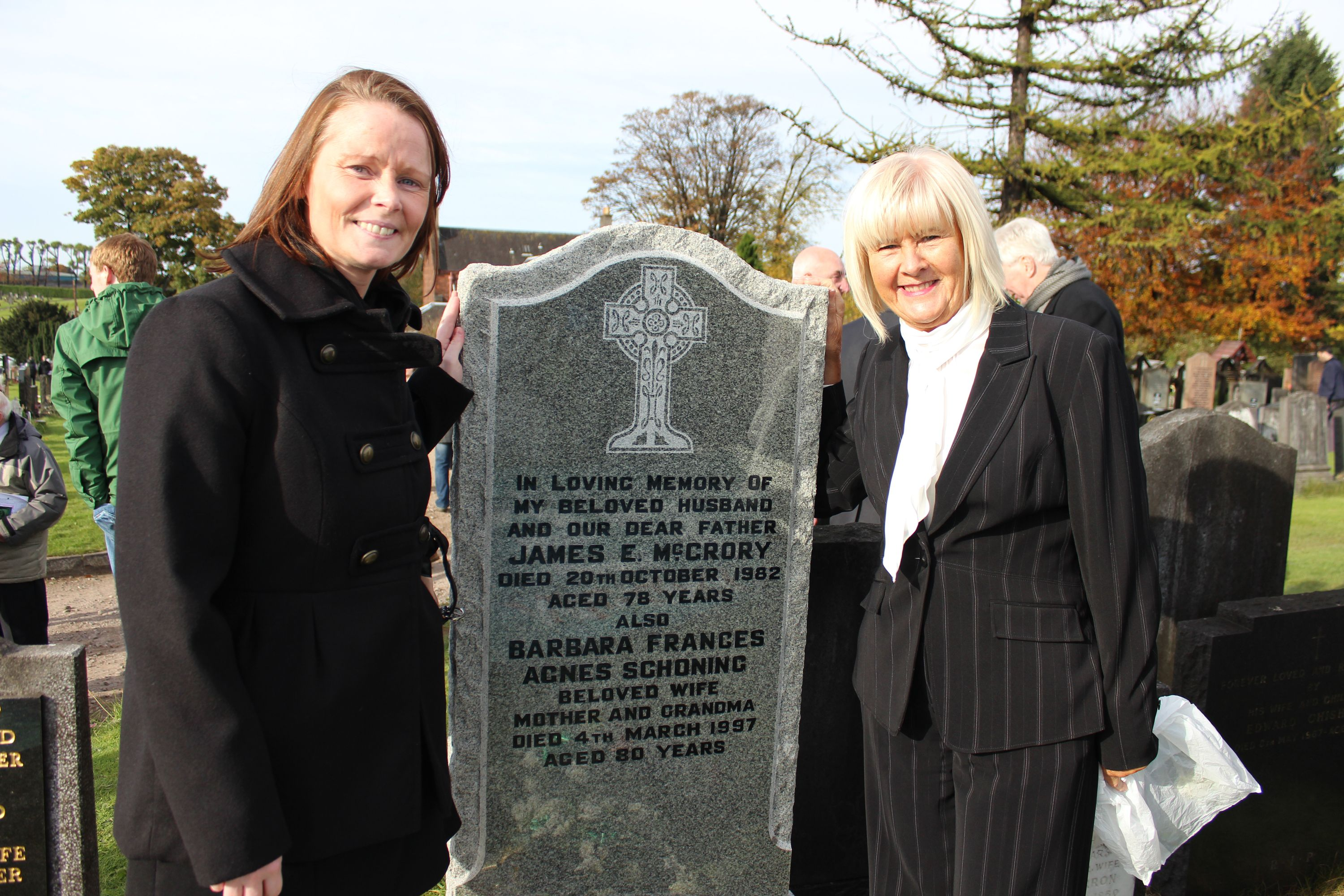 Willie O Neil s daughter and Agnes Johnstone wife of Jimmy