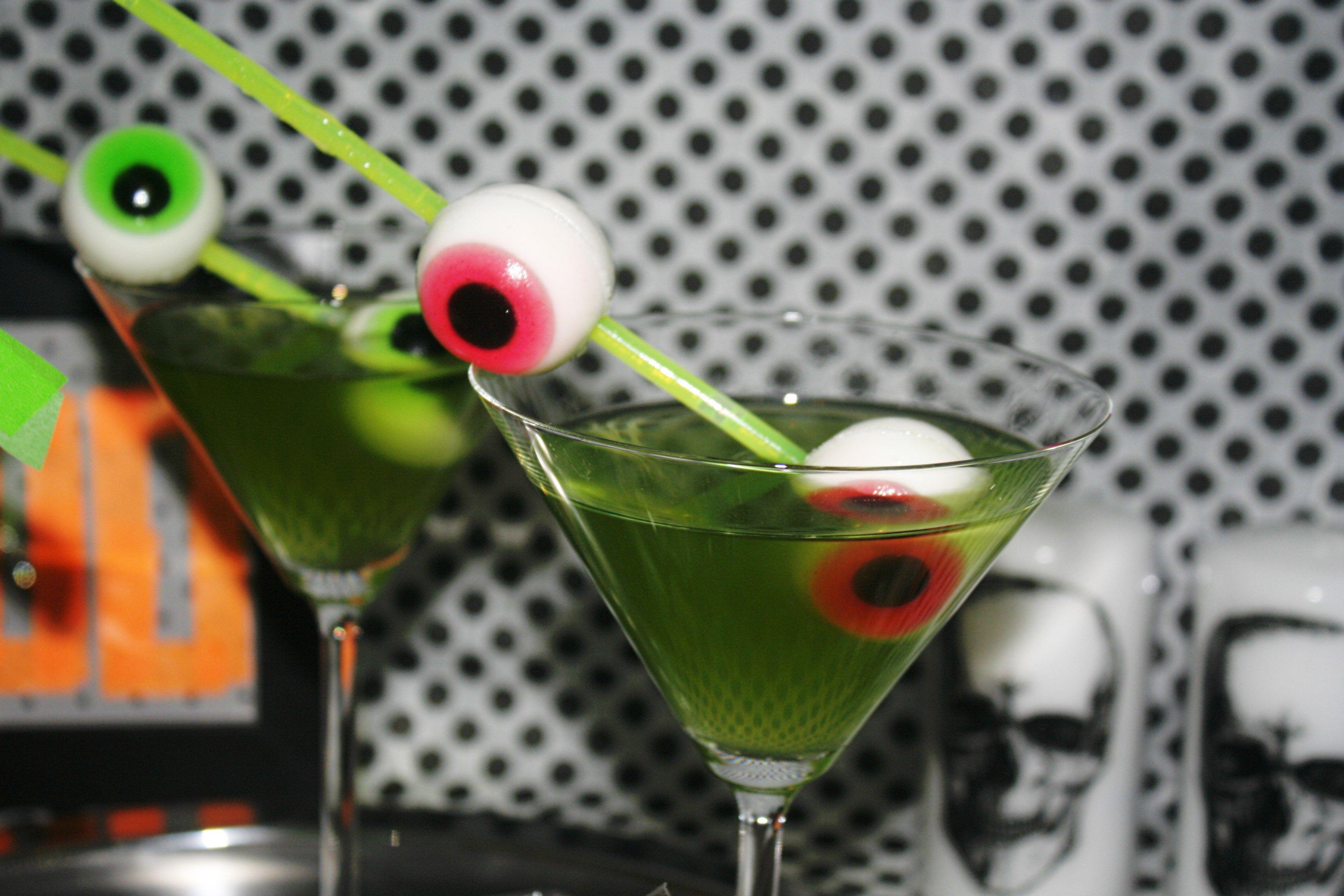 Halloween Party Cocktail Ideas Part - 36: Spuk-takulär Simples Und Eindrucksvolles Duo Für Eure Halloween-Party |  KüchenAtlas Blog · SimpleBlogPopcornHatsHalloween PartiesCocktailsIdeas