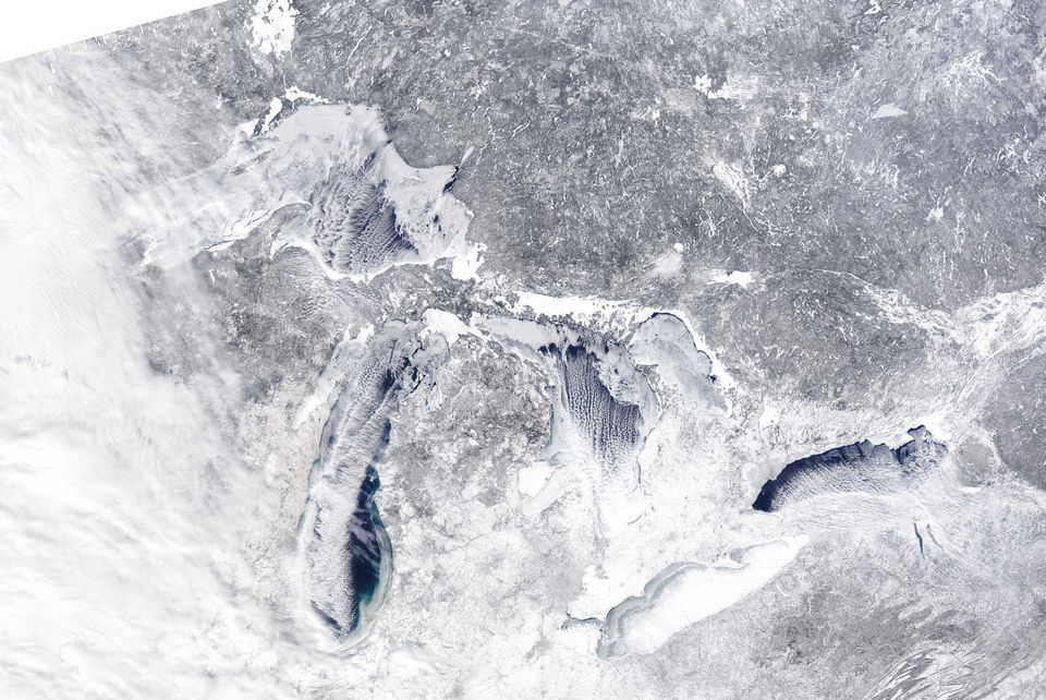 Great Lakes Ice Growing Rapidly Lake Michigan Ice Nearly Doubles In 1 Week With Images Great Lakes Lake Lake Michigan