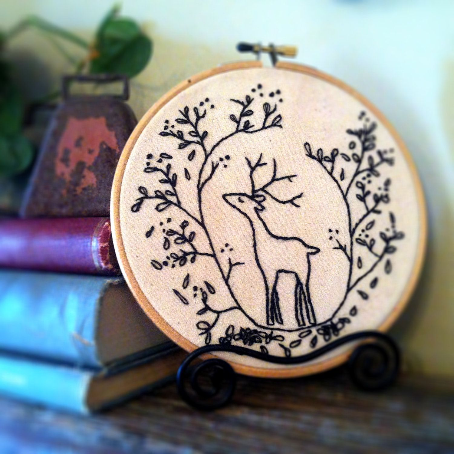 Diy holiday embroidery pattern christmas diy embroidery hoop art
