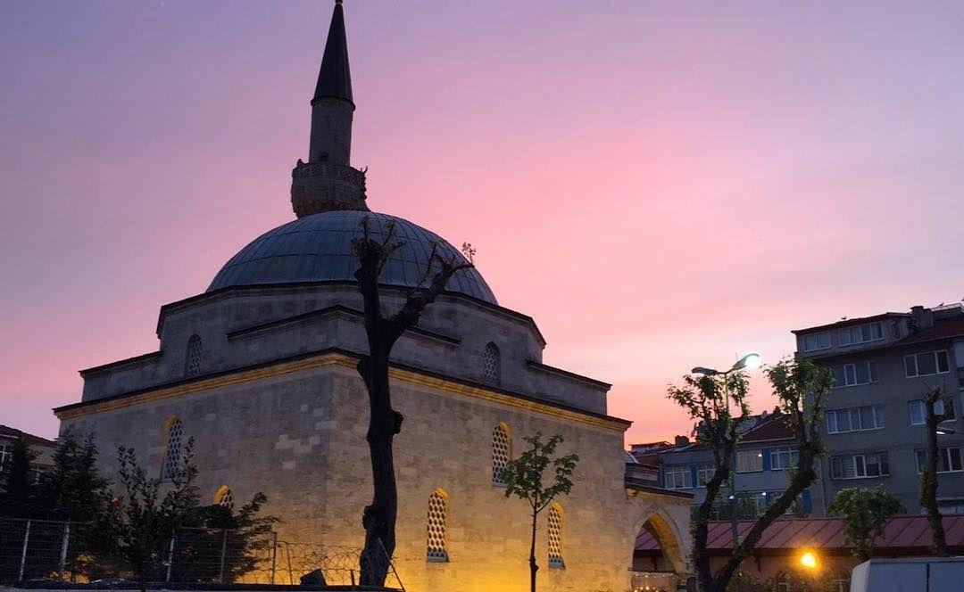 رمضان الخير رمضان الحب رمضان الكرم صياما مقبولا وإفطارا شهيا Snapchat Aboalealhamoe Istanbul Turkey تركيا اسطنبول Photo Taj Mahal Landmarks