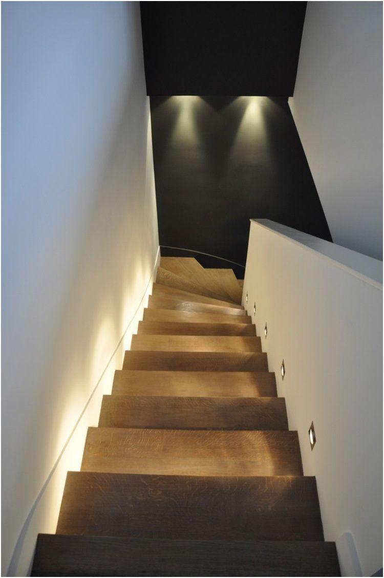 19 Divertir Eclairage Marche Escalier Interieur Stock Eclairage Escalier Escaliers Interieur Escalier Contemporain