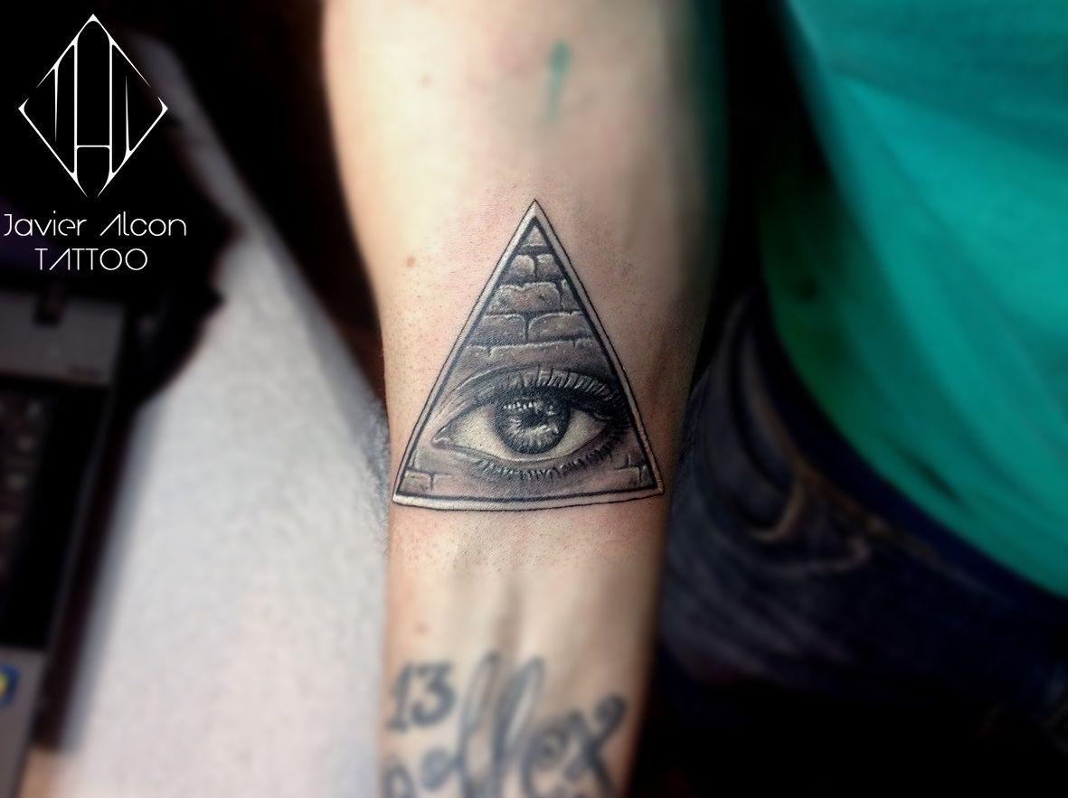 Tatuaje Ojo Triangulo Iluminati Tatuajeideas Para El Tatuaje