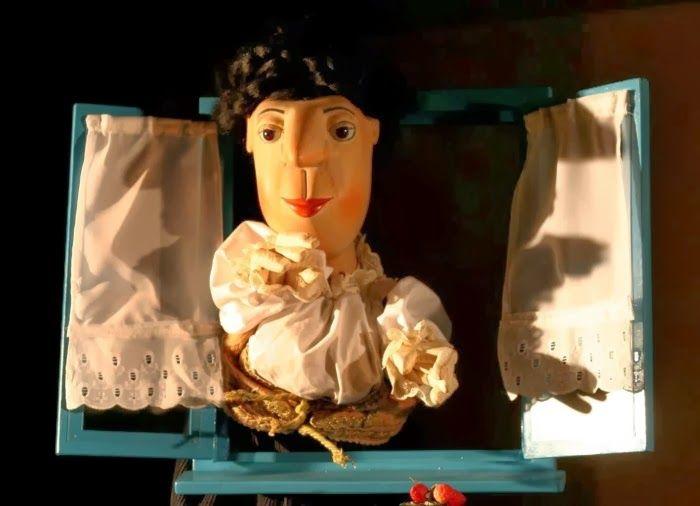 """Appuntamento oggi, domenica 1 dicembre,  a Il Grande Teatro dei Piccoli, la stagione per famiglie targata Is Mascareddas in corso a Monserrato nella sua ottava edizione ospitata al MoMoTI (in via 31 marzo 1943 n. 20). Alle 18 la compagnia padrona di casa è di scena con lo spettacolo di burattini """"Areste Paganòs e lo strano caso del paese di Trastullas"""".   #TeatriCagliari #SpettacoliCagliari"""