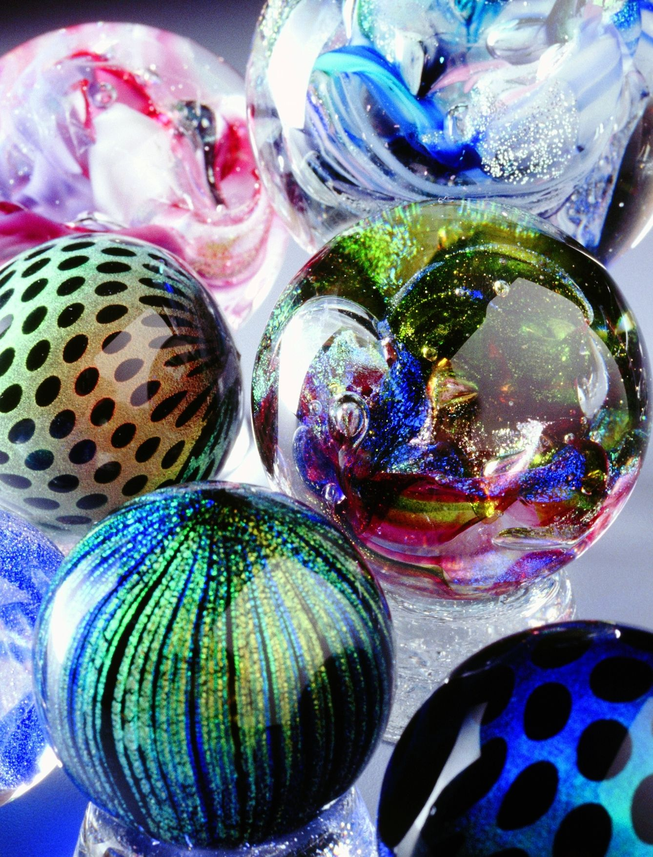 La Glass Modern Marbles An Exhibition At Indigenous Gallery Glass Paperweights Glass Marbles Marble Art