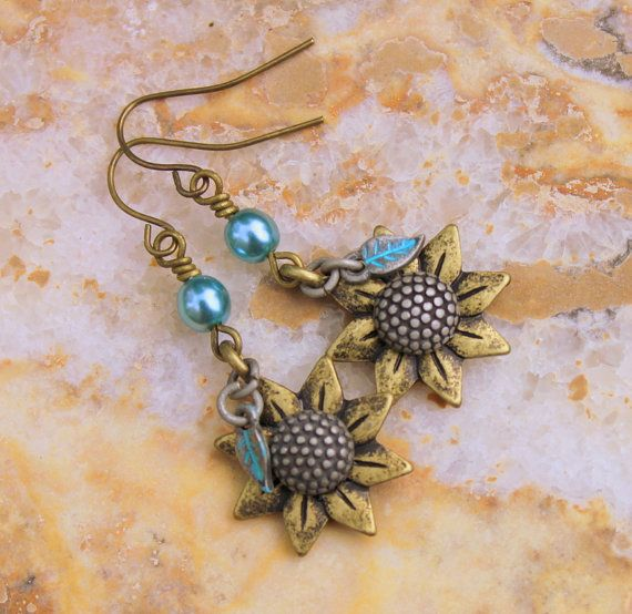 Rustic Sunflower Earrings Unique Boho Jewelry di CreativeCutes