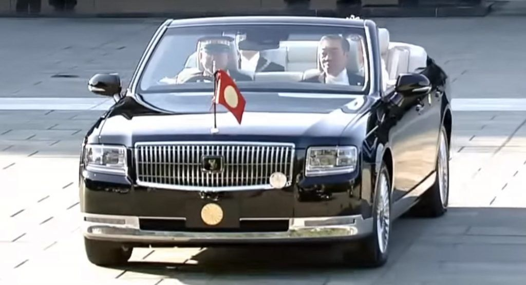 Toyota Century Convertible Bows At Emperor Naruhito S Coronation Ceremony Carscoops Toyota Century Toyota Car Wallpapers
