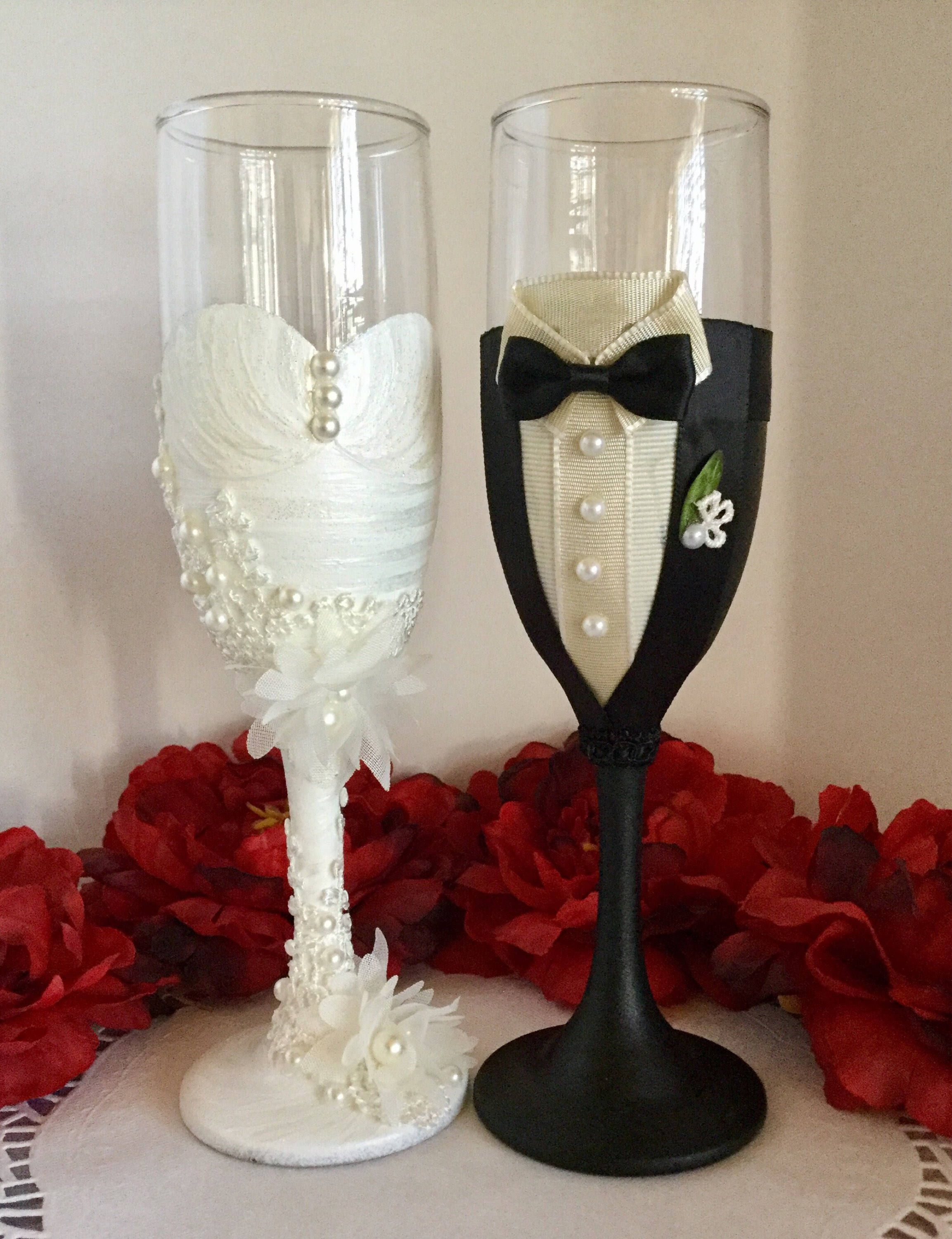 Beautiful Wedding Champagne Flutes Anniversary Gift Engagement Party Gift Bride And Groom Gift One Of A Kind Wedding Champagne Glasses Wedding Champagne Glasses Champagne Glasses Decorated Wedding Champagne Flutes