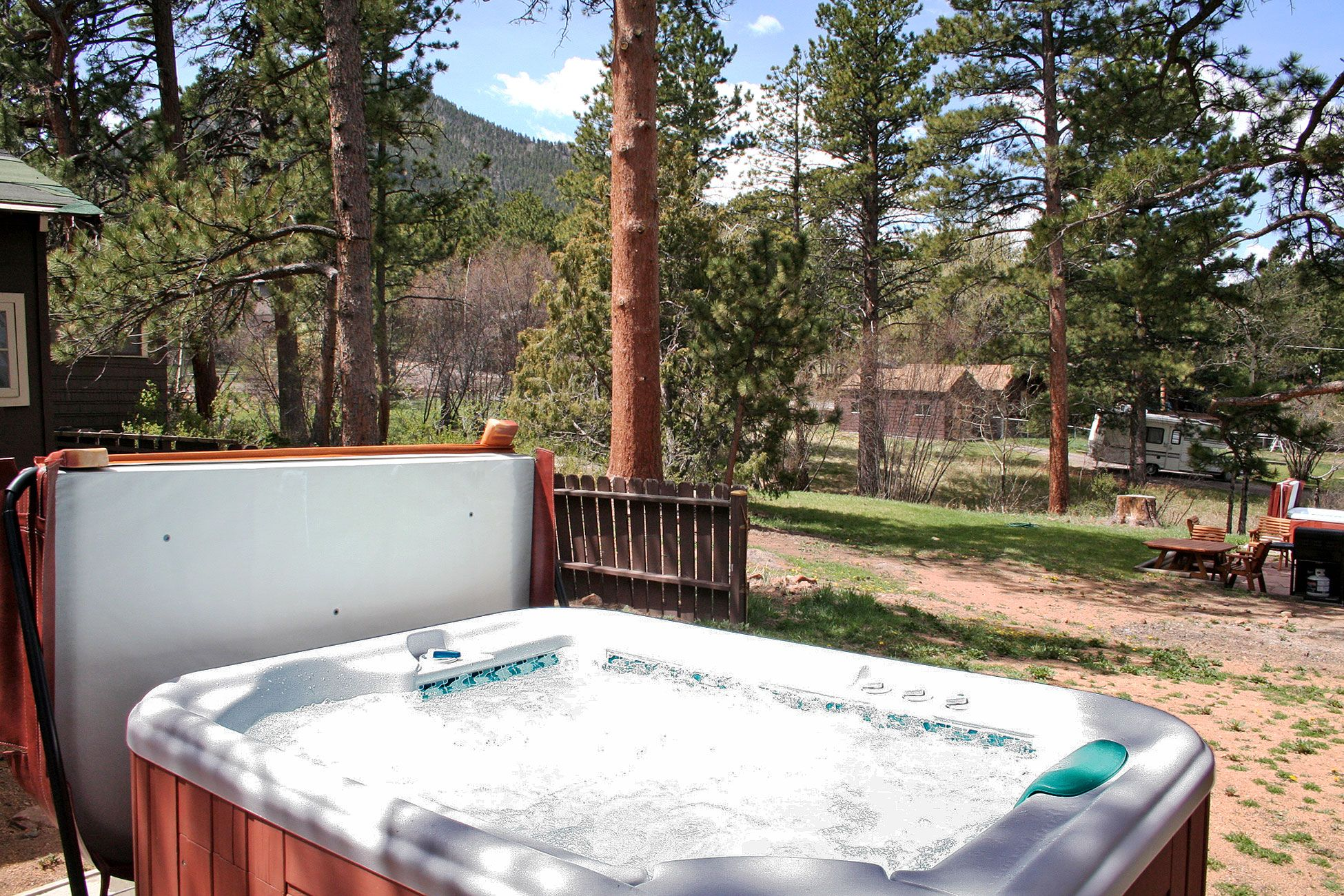 Surprising Governors Mansion With Hot Tub In Estes Park Colorado Home Interior And Landscaping Ferensignezvosmurscom