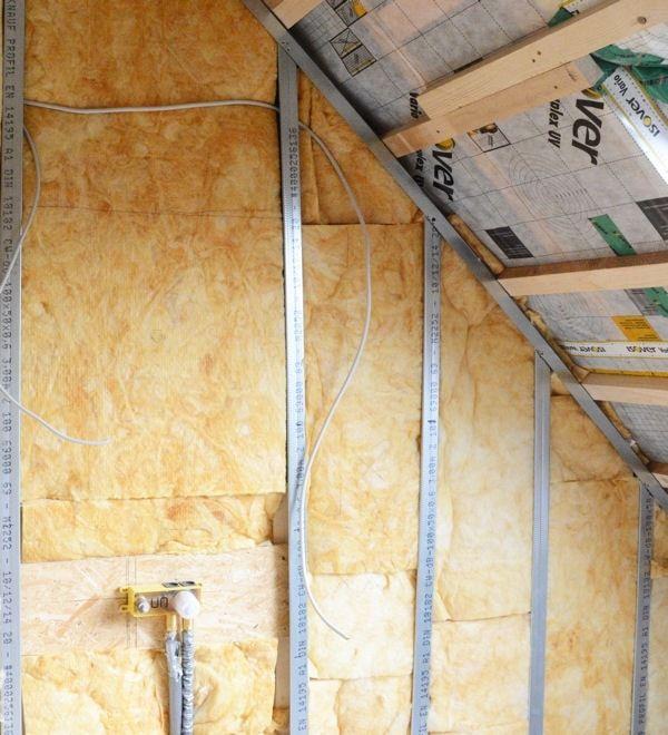 The insulation inside through the brick-CHANVRIBLOC hemp insulation