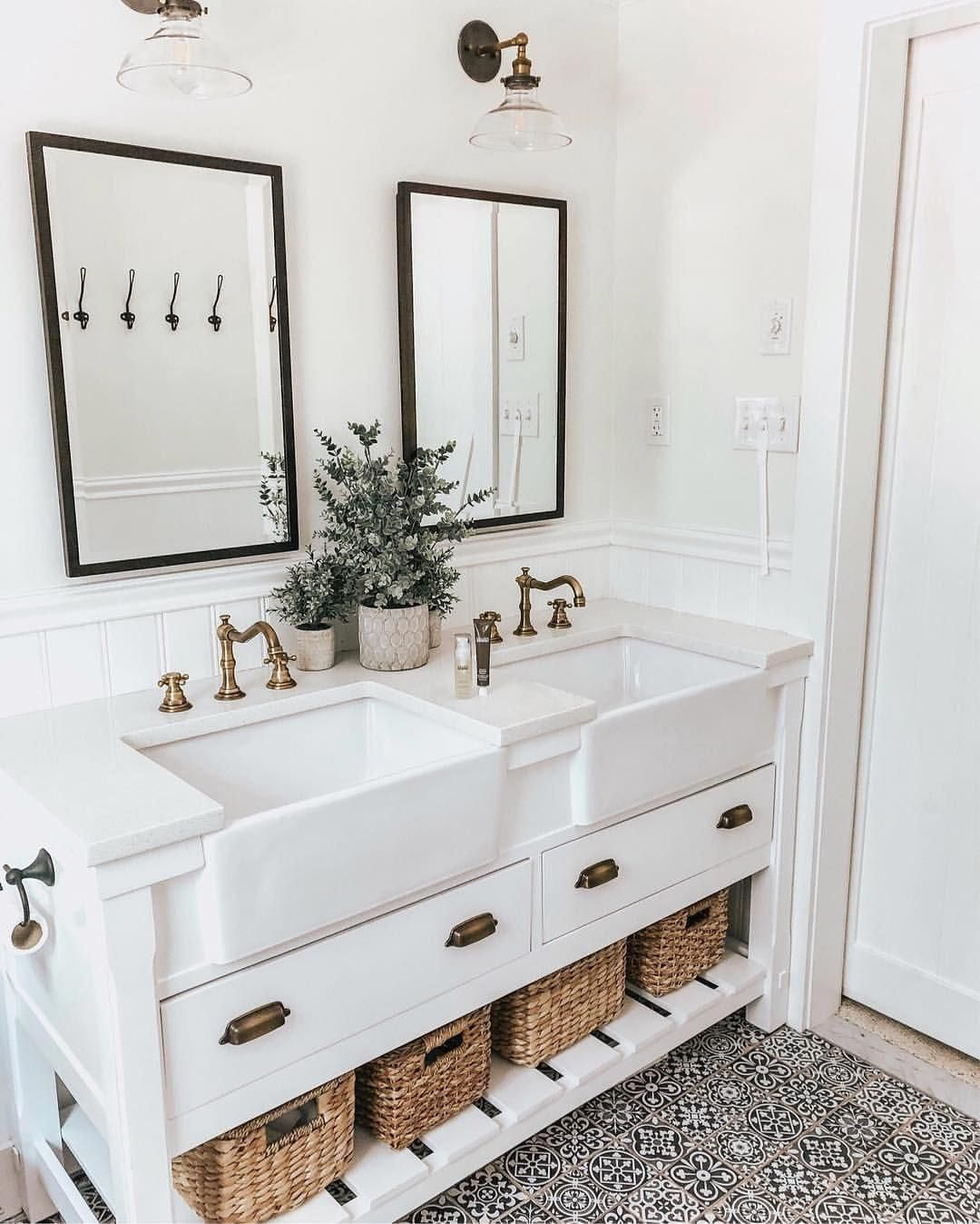 Bathroom Sinks And Taps Bathroomlayout Farmhouse Bathroom Decor Bathroom Decor Bathrooms Remodel