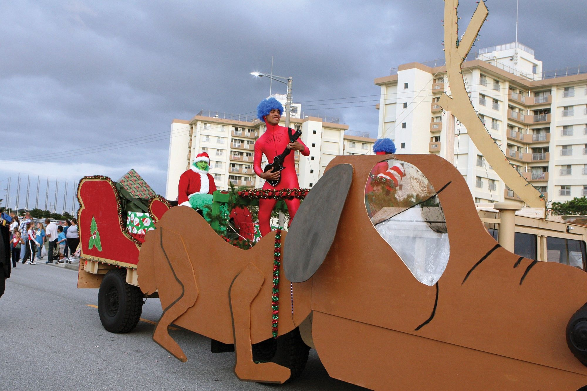 grinch stole christmas parade float - Google Search | Float ideas ...