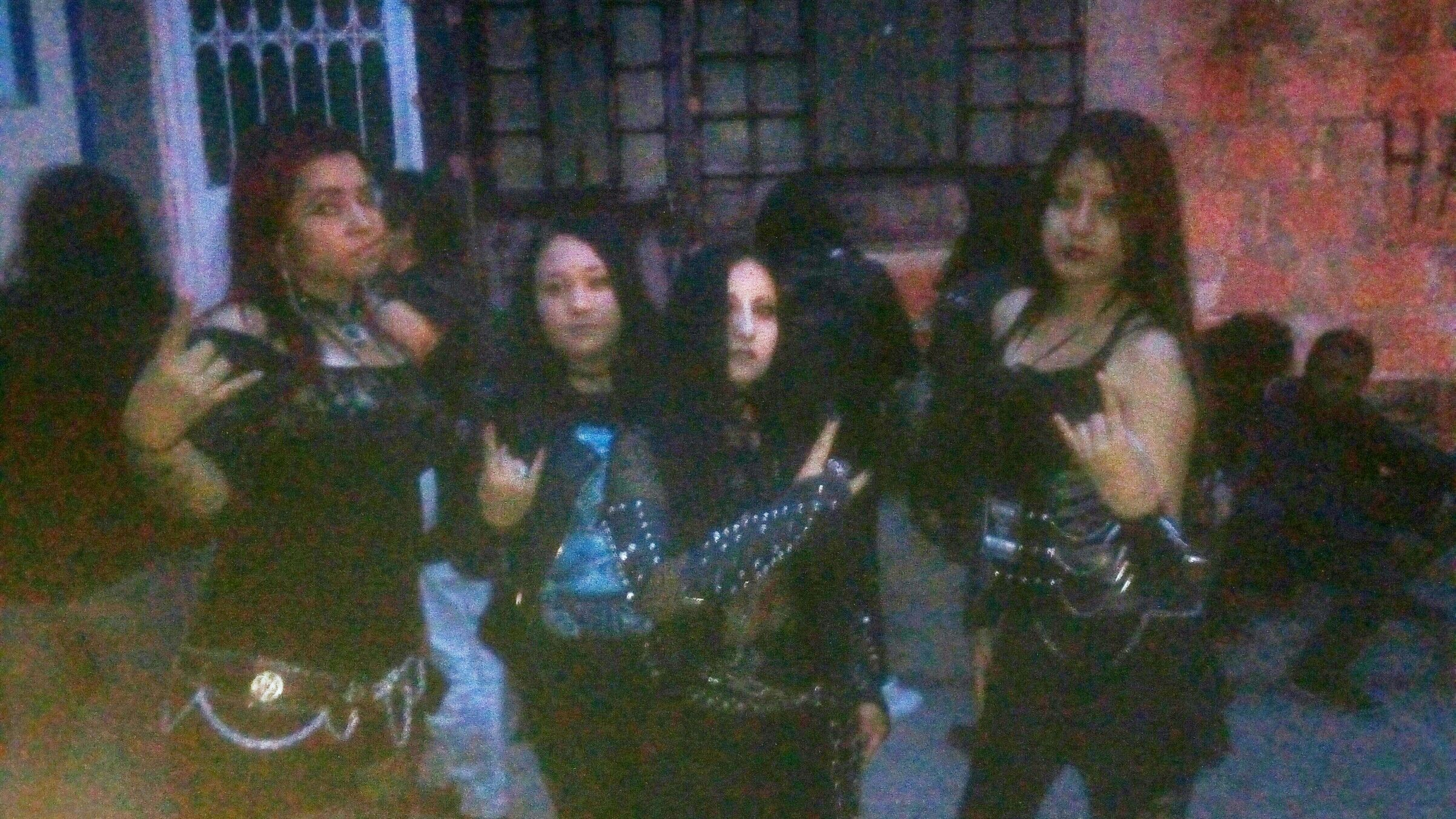 Ginger Adriana. Me tomé esta fotillo junto a Fedra   el 11 de marzo del 2017 en el evento Artpocalispsis Metal Fest.