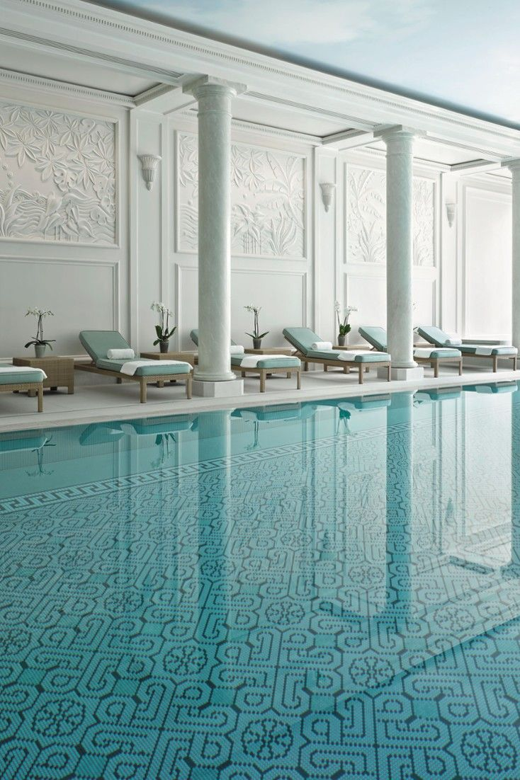 The Hotel Is One Of Few Palace Hotels In Paris A Prestigious Collection City S Best Properties Shangri La France