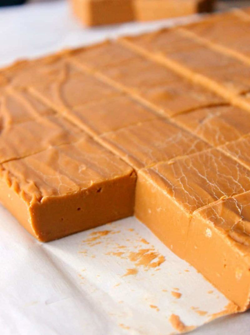 Butterscotch Fudge - en 2020 | Fudge facile