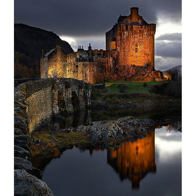 Eilean Donan Castle - one of the most beautiful castle's in Scotland and perfect for photography! It's a must see destination if your travelling in the highlands of Scotland. . . .Check out . . @midnight_photography  . . #dream_image #ig_exquisite #superhubs #phototag_it #ig_photostars #greatshotz #pro_ig #britains_talent #ig_photo_club #gottalove_this #epic_captures #thebest_capture #igglobalclub #ig_today#igersmood #thebest_sunset #ig_worldpics #ig_worldclub #photooftheday #igbest_shotz…