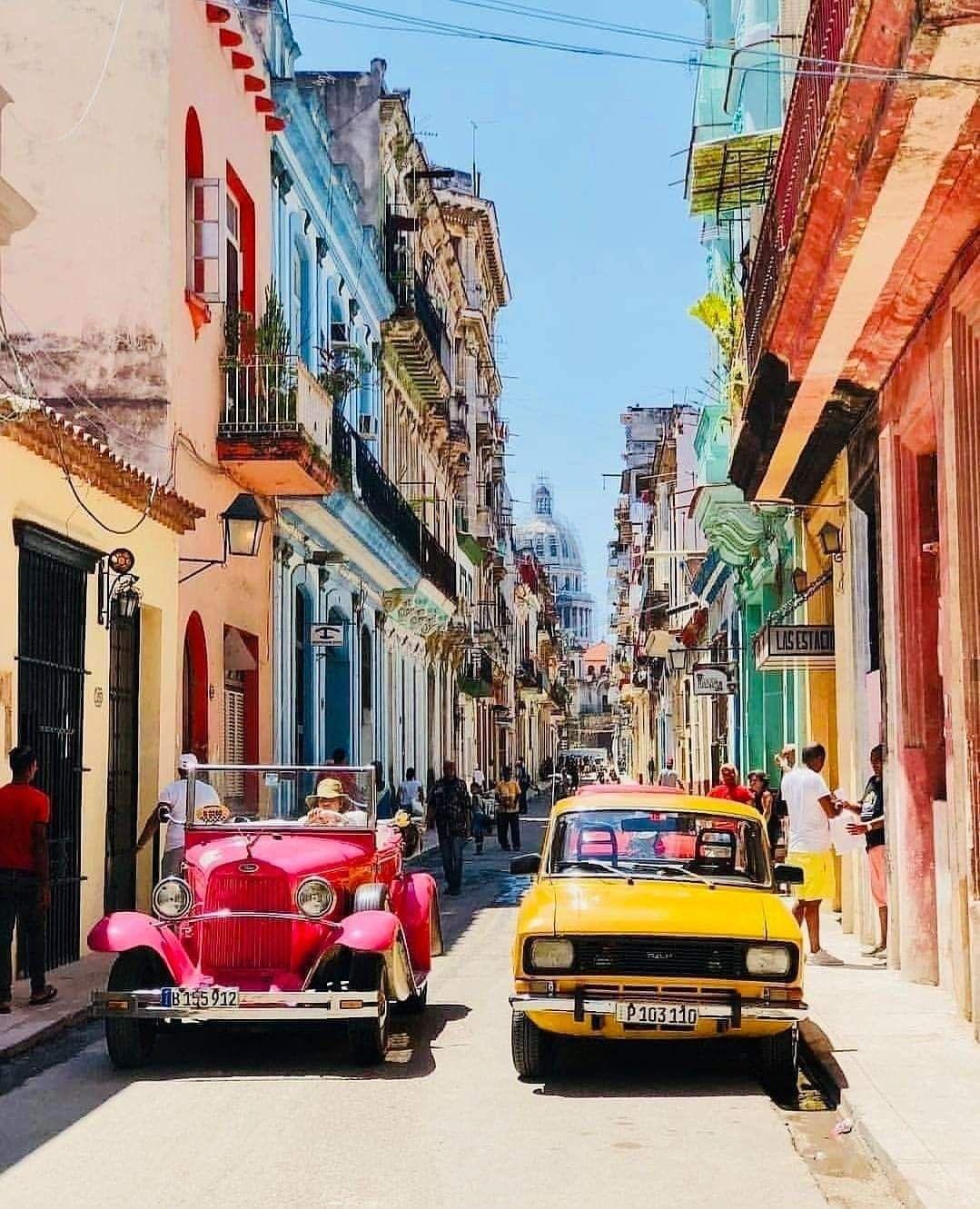 In Havana Cuba In 2020 Kuba Reisen Havanna Kuba Urlaub Reisen