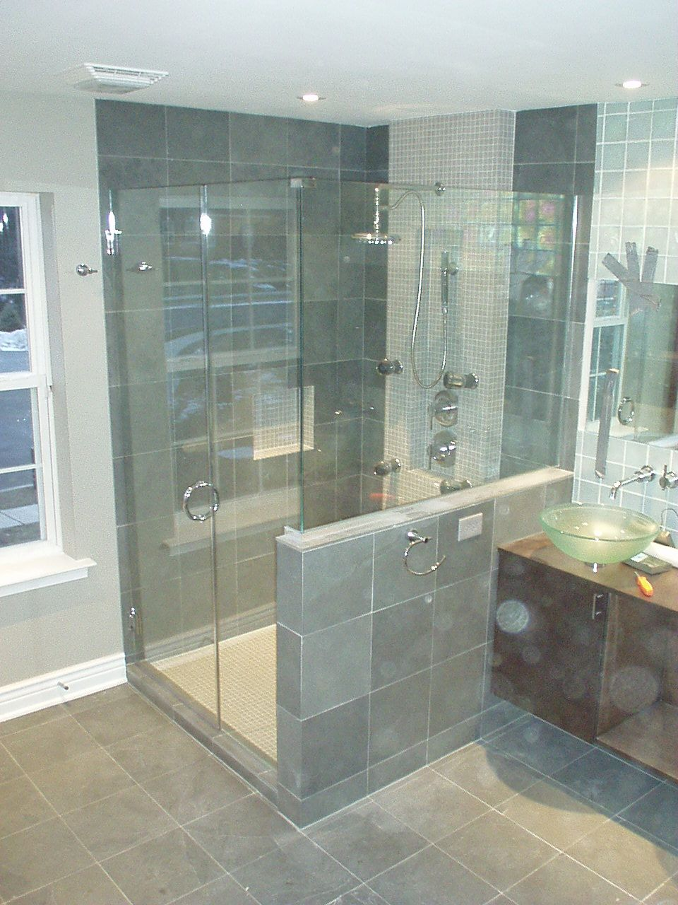 Bathroom OLYMPUS DIGITAL CAMERA Frameless Shower Doors Complete ...