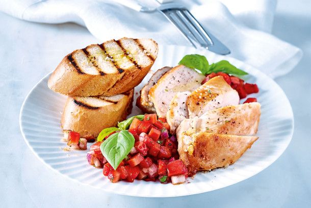 Leichte Sommerküche Mit Fleisch : Unser beliebtes rezept für hähnchenfilet mit erdbeersalsa und mehr