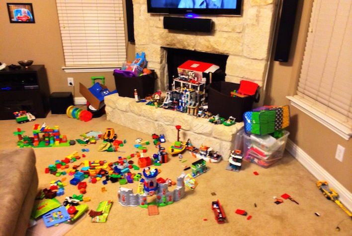 Baby Floor Toys : A floor full of duplo s and heart joy down
