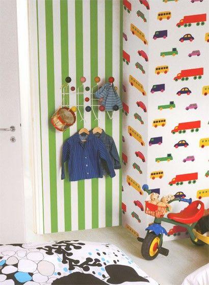 Streifen für das Kinderzimmer in frischem Grün: Marimekko Tapete ...