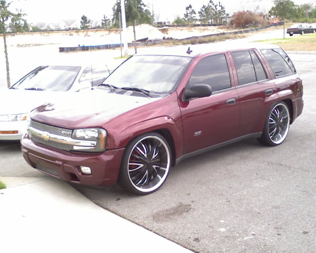 Rims for 2006 Envoy Denali   24s and i level in the front   I love ...