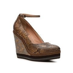 Grotto wedge [Wishlist for fall]