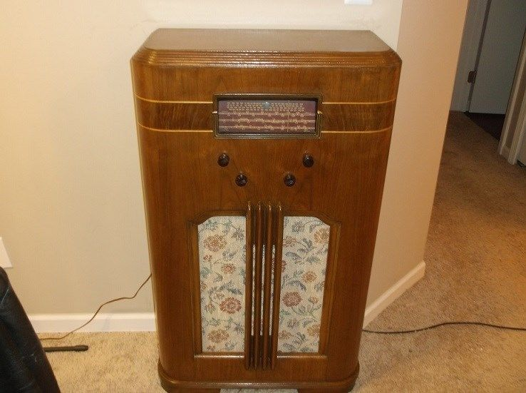 1935 Wards Airline Radio - 11 Tube Chassis | Vintage Radios